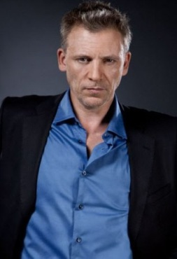 1 Callum Keith Rennie 1